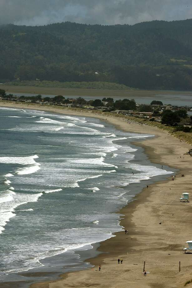 Stinson Beach in Marin County, Calif. Photo: Liz Hafalia, The Chronicle
