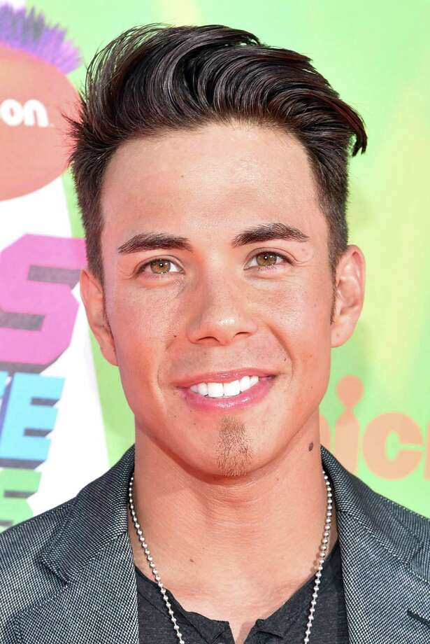 Olympic skater Apolo Ohno attends Nickelodeon Kids' Choice Sports Awards 2014 at UCLA's Pauley Pavilion on July 17, 2014 in Los Angeles, California. Photo: Alberto E. Rodriguez, Getty Images For Nickelodeon / 2014 Getty Images
