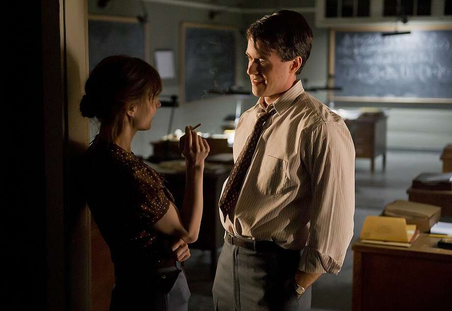"""Science team member Helen (Katja Herbers), with Charlie (Ashley Zukerman), her boss' rival, works on a secret project in New Mexico in """"Manhattan."""" Photo: Greg Peters, WGN"""