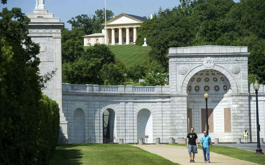 Arlington House, where Confederate leader Robert E. Lee lived before the Civil War, sits on a hill above Arlington National Cemetery. Most of the museum's restoration will occur in 2016. Photo: Cliff Owen / Associated Press / FR170079 AP