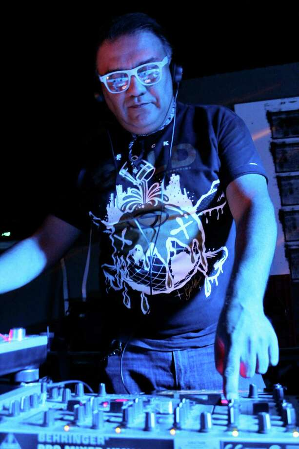 Wreck the Decks music series featuring local Hip-Hop, Retro, R&B, Tejano, Rock, and 80's music. Photo: Yvonne Zamora