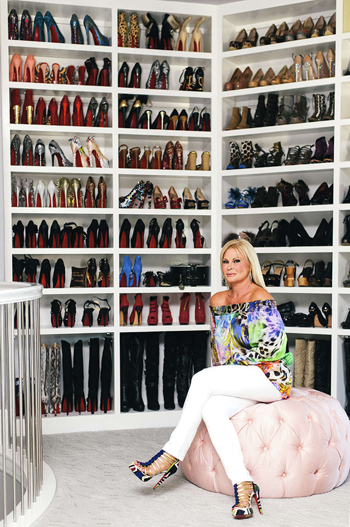 How to throw the perfect closet party: champagne, a DJ, celebrity guests and this whopping 3,000-square-foot closet complete with Swarovski crystal door knobs.