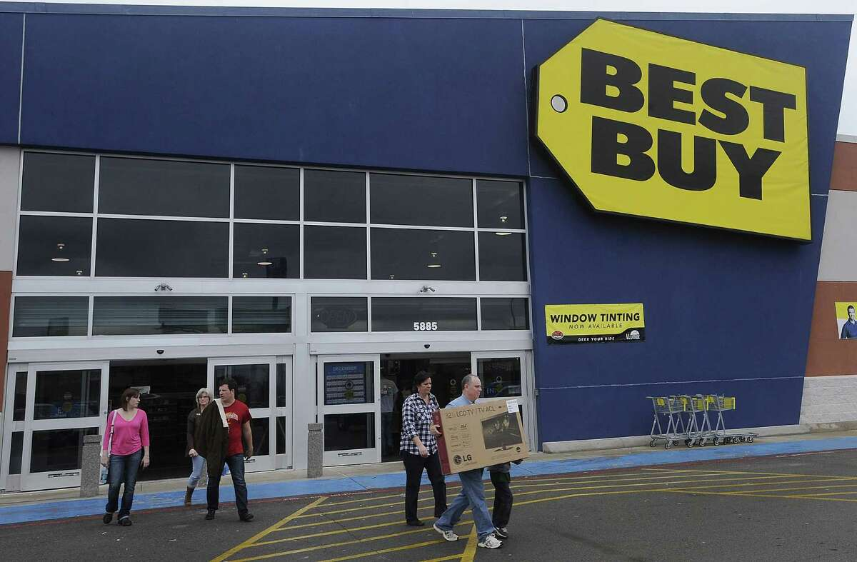 Best Buy One of the biggest electronics stores in the nation will also take part on Cyber Monday. Deals and offers include computers and tablets, cell phones, music, appliances and much more. Website: bestbuy.com