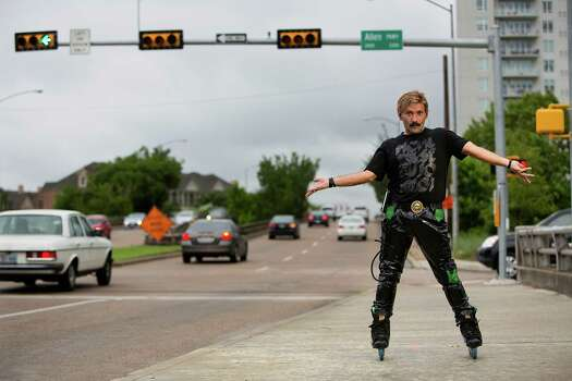 Portrait of Montrose area rollerblader Juan Carlos Photo: Johnny Hanson, Staff / © 2014  Houston Chronicle