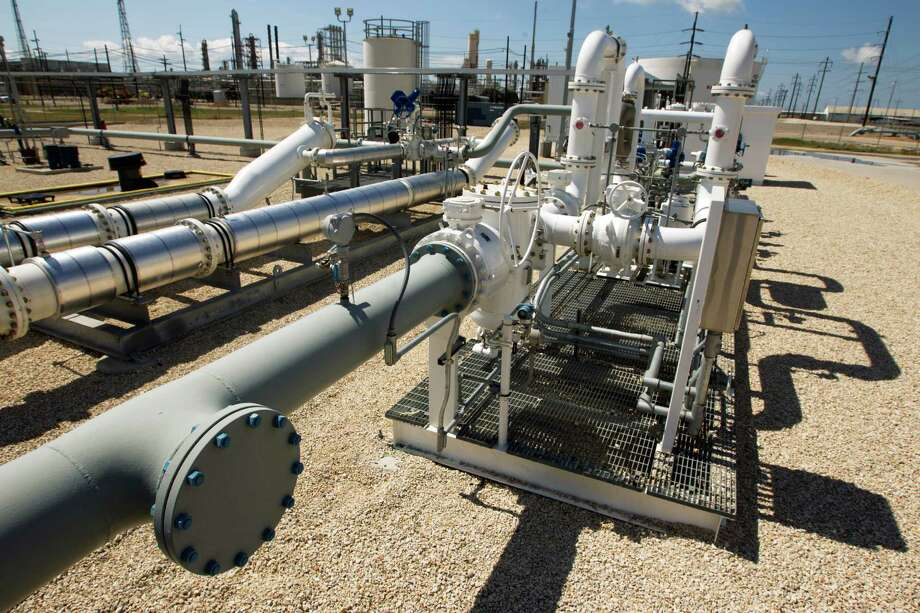 The Texas pipeline industry will generate $212 billion in additional gross state product by 2024, an industry-commissioned study says. Photo: J. Patric Schneider, Freelance / © 2013 Houston Chronicle