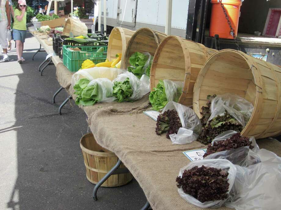 A selection of the fresh fruits and vegetables are available from vendors at the Darien Farmer's Market. Photo: File Photo, ST / Darien News