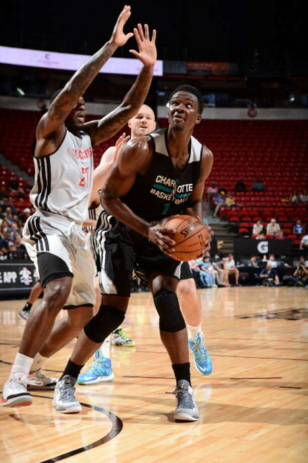 Noah Vonleh drives to the basket. Photo: Garrett Ellwood, NBAE/Getty Images / 2014 NBAE