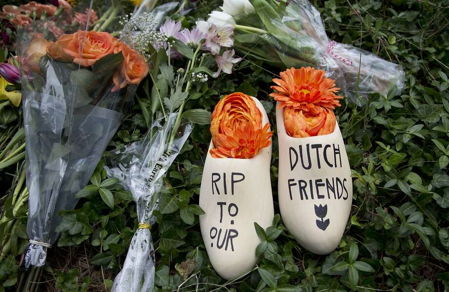 A message of sympathy for the victims is placed in front of the Netherlands Embassy in Washington. Photo: Manuel Balce Ceneta, Associated Press