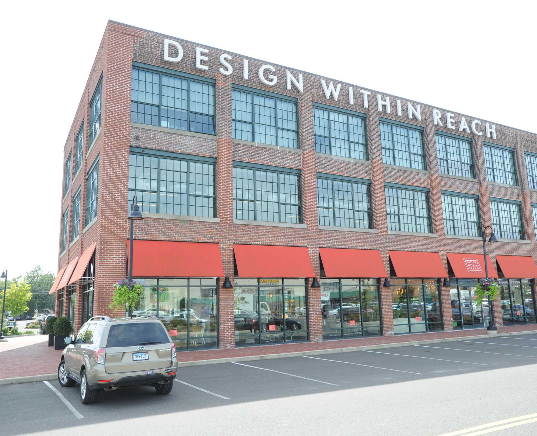 Design Within Reach Stamford.New Owner Says Design Within Reach Stays In Stamford