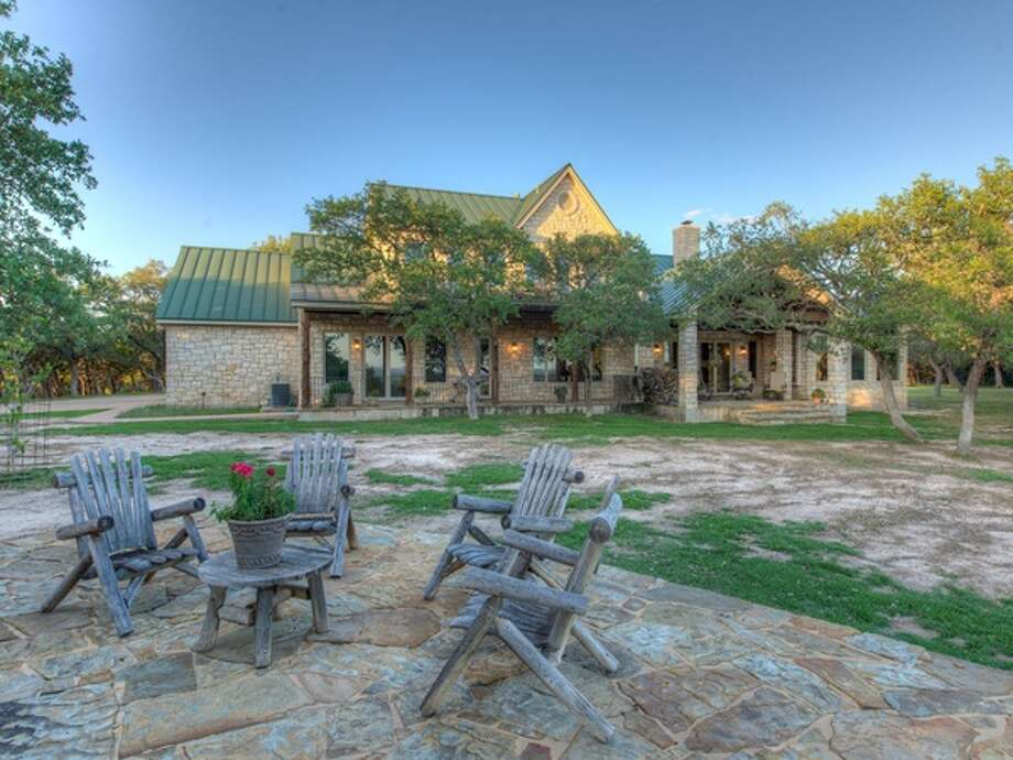The ranch offers a great view of the Texas Hill Country and Lake Travis. Photo: Courtesy Of David Stewart With Realtour