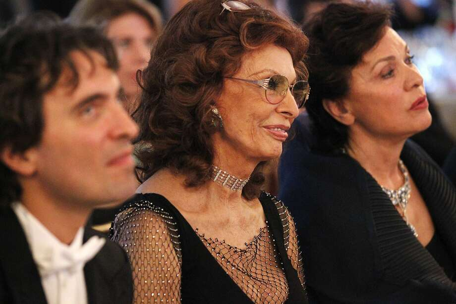 Sophia Loren (center) with son Carlo Ponti Jr., L.A. Virtuosi conductor, and Maria Manetti Shrem. Photo: Leah Millis, The Chronicle