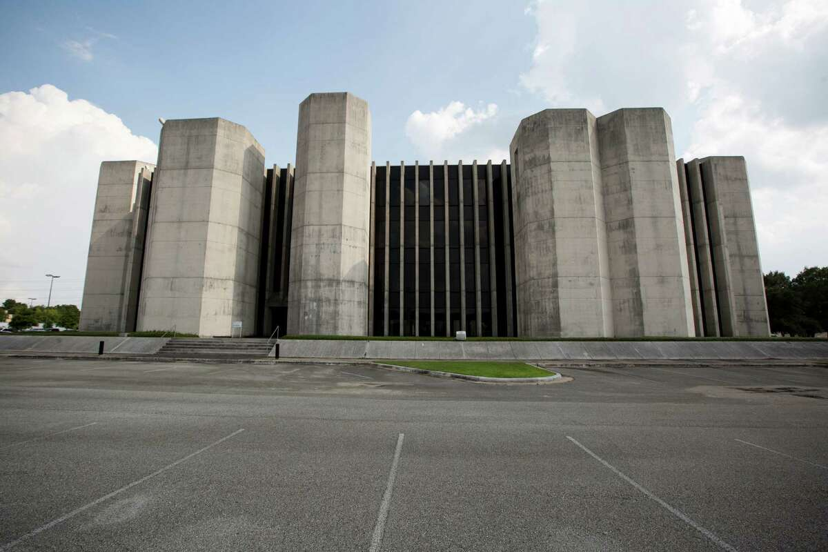 The former Houston Post building at 4747 Southwest Freeway will be the home of the Houston Chronicle, relocating most of its downtown workforce. The announce came, Monday, July 21, 2014, in Houston. ( Marie D. De Jesus / Houston Chronicle )