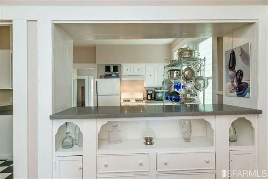 267 Anderson St., Unit A, Bernal Heights: A close-up on the built-in turned passthrough. Photo: MLS