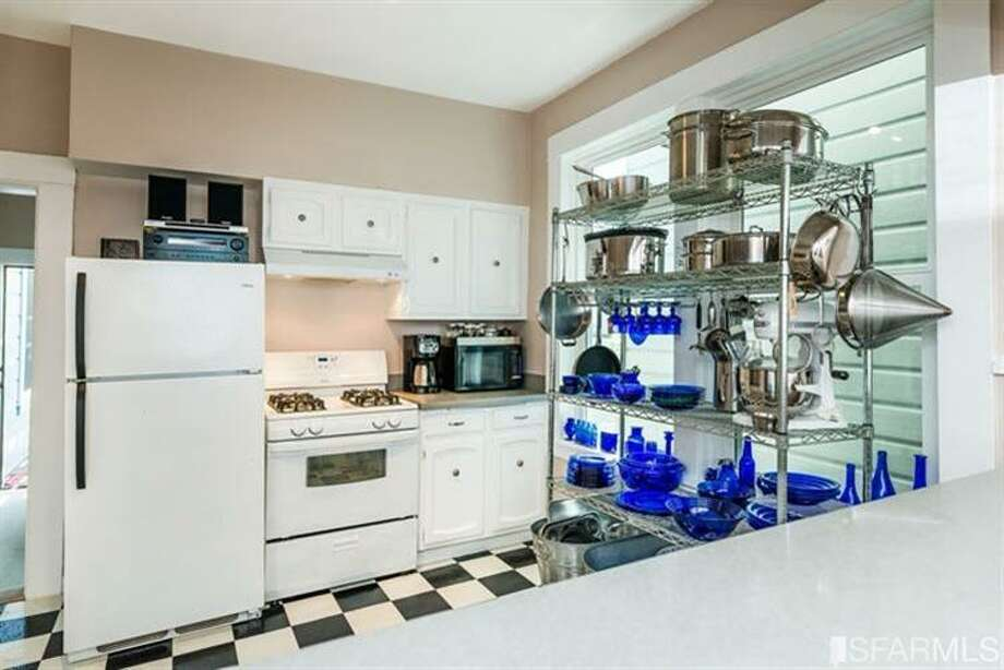 267 Anderson St., Unit A, Bernal Heights: The kitchen. Photo: MLS
