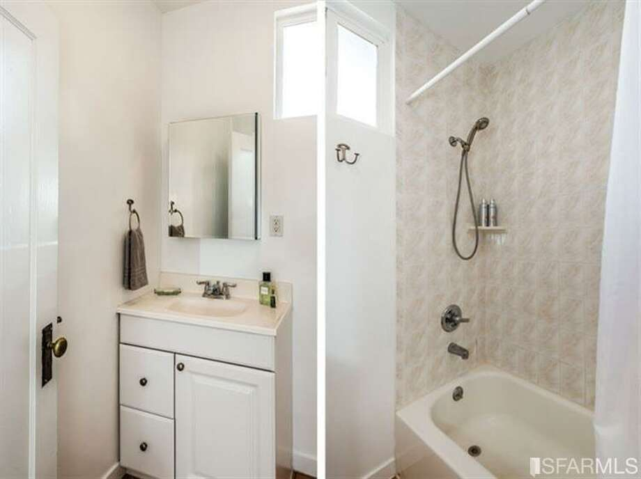 267 Anderson St., Unit A, Bernal Heights: The one bathroom is split. Photo: MLS