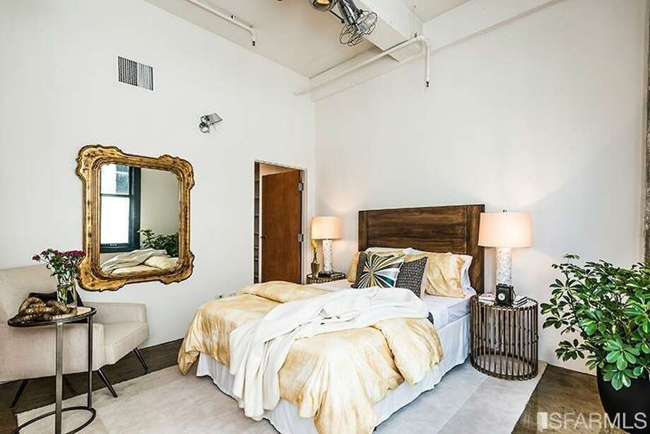 410 Jessie Street, SoMa:: The single bedroom in the 1,104-square-foot loft. Photo: MLS