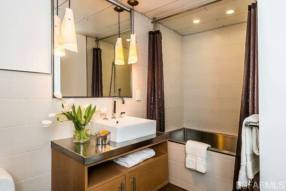 410 Jessie Street, SoMa: The only bathroom. Photo: MLS