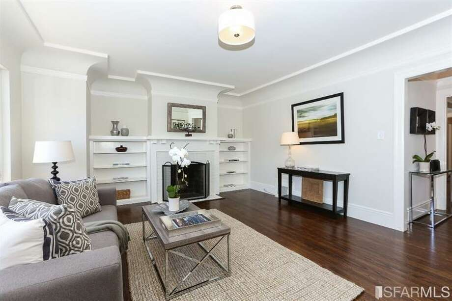 3320 Cabrillo St., Outer Richmond: The living room. Photo: MLS