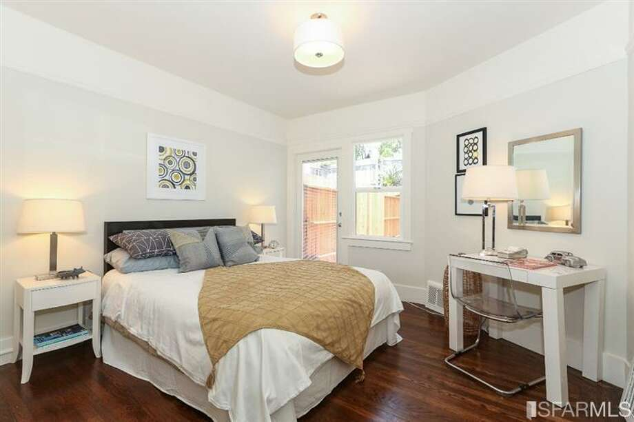 3320 Cabrillo St., Outer Richmond: One of the three bedrooms. Photo: MLS