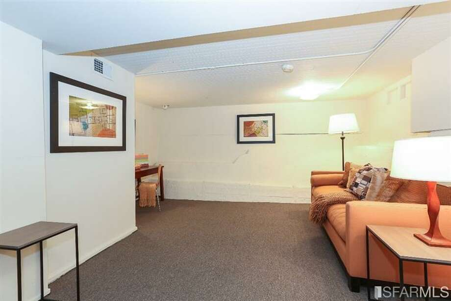 3320 Cabrillo St., Outer Richmond: A bonus room downstairs. Photo: MLS