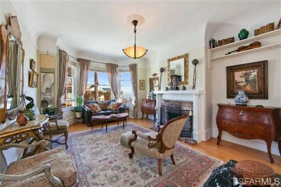 1041 Filbert Street, Russian Hill: Another view of the living room. Photo: MLS