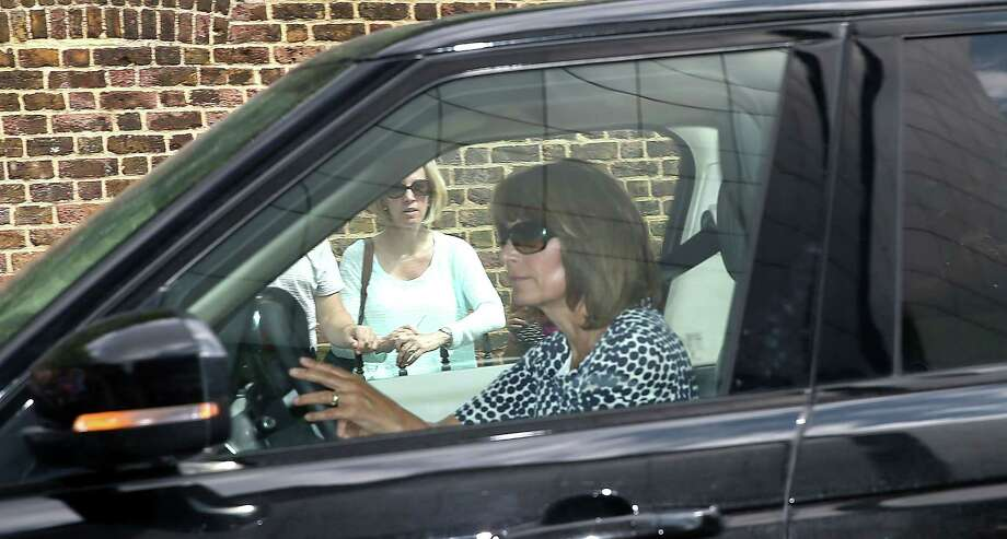 Other grandmother arrives