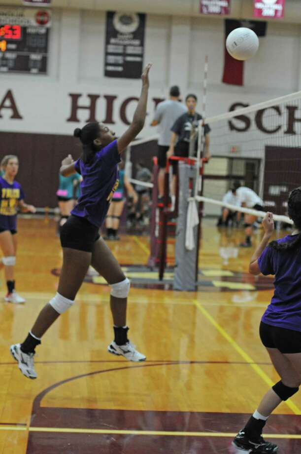 Jersey Village volleyball senior Brooke Williams during a scrimmage last year in Magnolia. Photo: L. Scott Hainline / The Chronicle