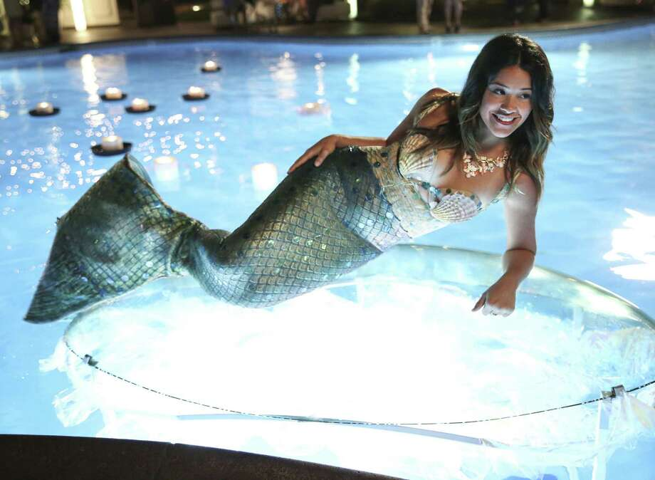 "Jane (played by Gina Rodriguez) finds her life mirroring a telenovela on ""Jane the Virgin."" Photo: The CW / © 2014 THE CW NETWORK, LLC. ALL RIGHTS RESERVED."