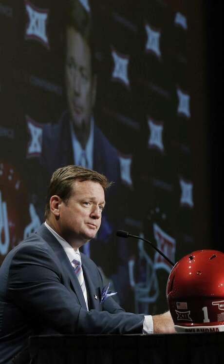 Bob Stoops and Oklahoma, who capped last season with a Sugar Bowl victory over Alabama, are picked by media to win the Big 12 this year. Photo: Rodger Mallison / McClatchy-Tribune / Fort Worth Star-Telegram