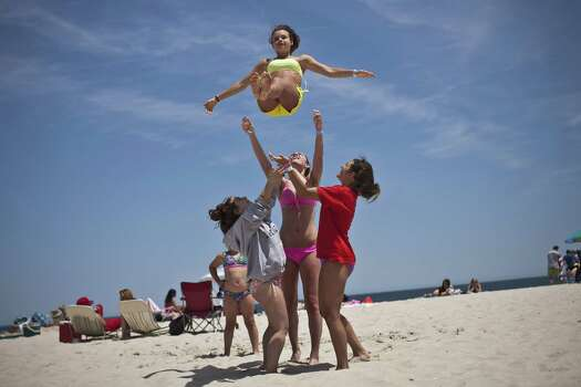 9) New Jersey has warmer waters than New York and abundance of good ice cream shops. Photo: Kena Betancur, File / 2013 Getty Images