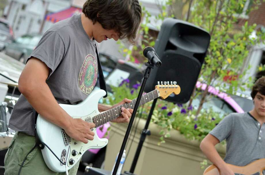 Brandon Alexander of Birdwalk at the New Canaan annual sidewalk sales. Photo: Megan Spicer / Darien News