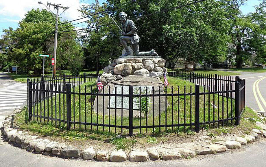 Plans to restore the Minute Man statue have won the support of the Board of Selectmen. Photo: File Photo / Westport News