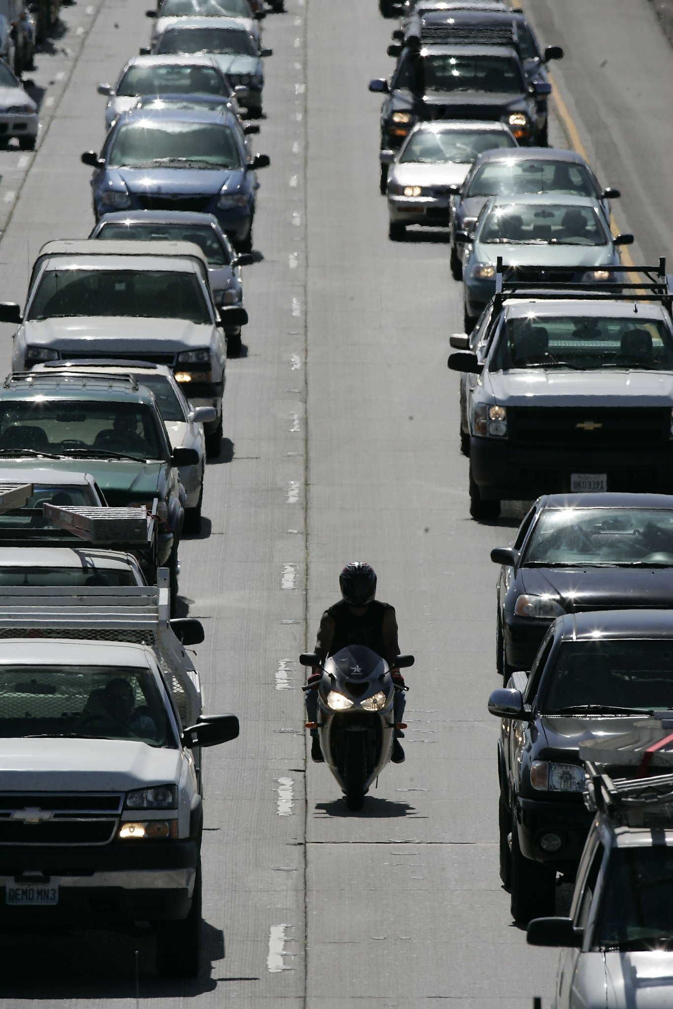 Do lane splitting motorcyclists make California roads safer
