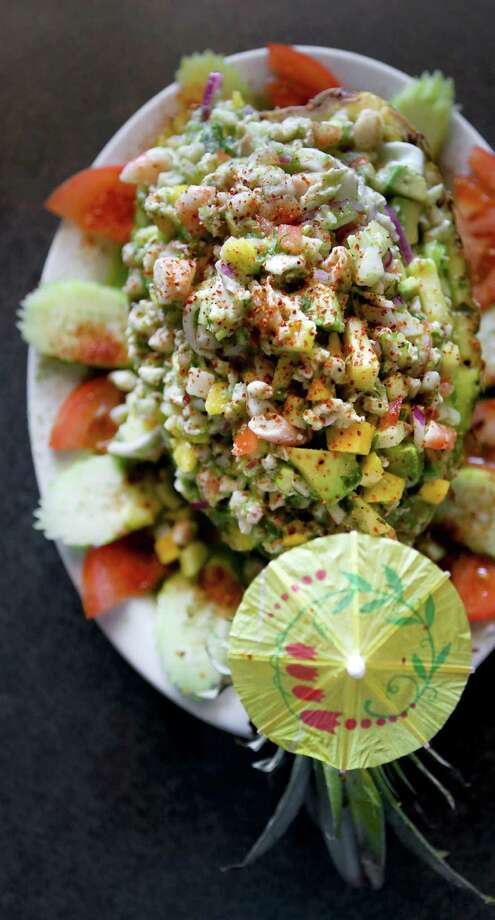 El Bucanero's Ceviche Hawaiano includes fish, shrimp and pineapple. Photo: Timothy Tai / / © 2014 San Antonio Express-News