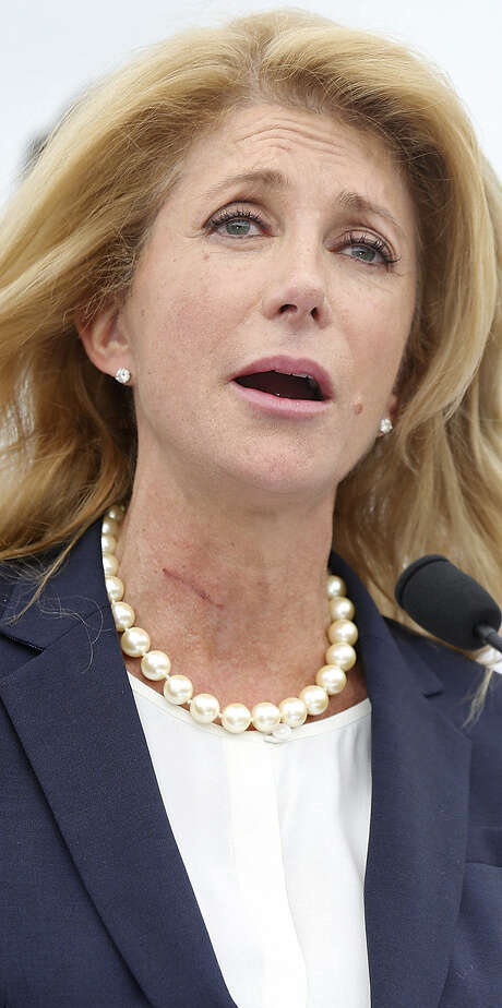 Wendy Davis' campaign team includes fundraisers who helped President Barack Obama pull in record sums for small donations. / © 2014 San Antonio Express-News