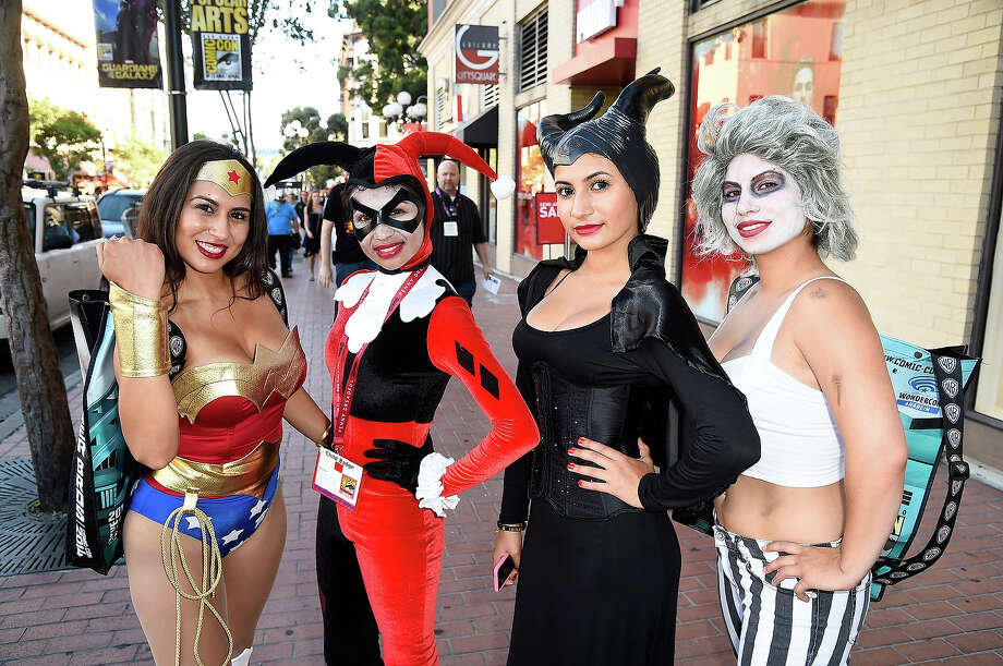 A general view of atmosphere during day 1 of Comic-Con International 2014 on July 24, 2014 in San Diego, California. Photo: Frazer Harrison, Getty Images / 2014 Getty Images