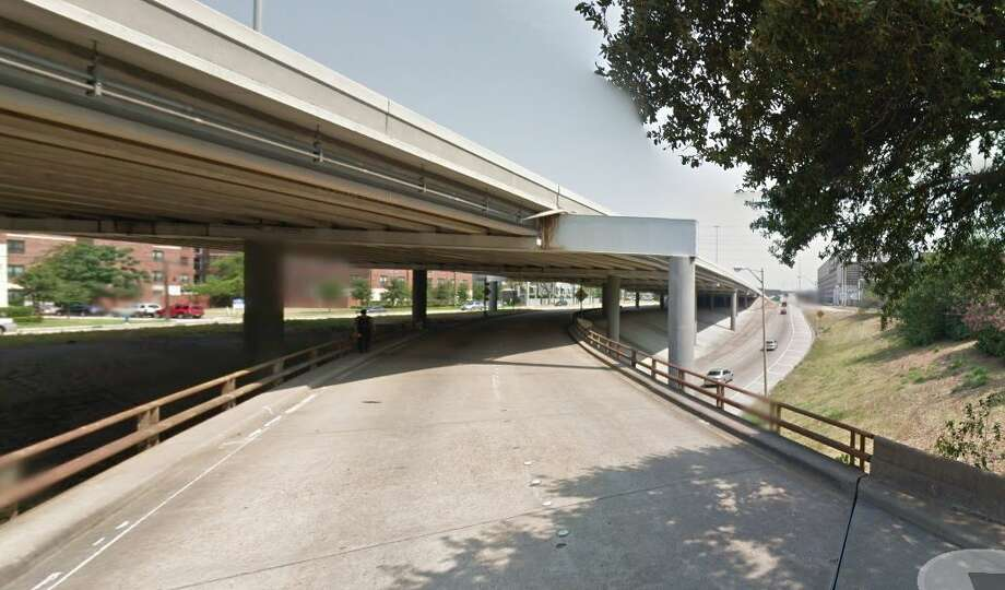 Jefferson Street exit, Calhoun Street to Interstate 45 northbound Year built: 1955 Owned by: TxDOT The support system directly underneath the roadway surface is in poor condition. The bridge has been listed as structurally deficient since 2012. Photo: Google Earth Screengrab