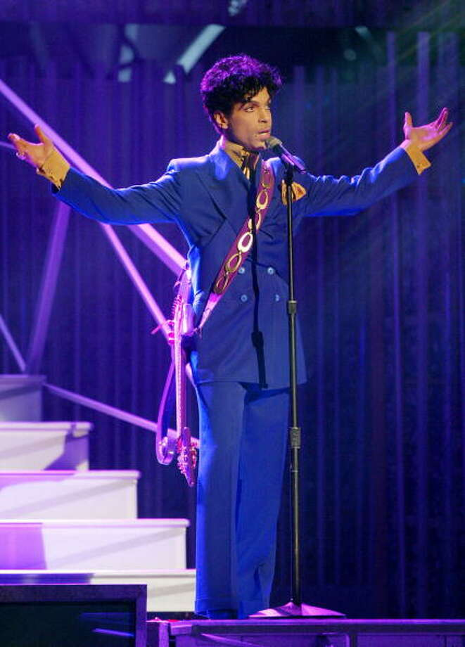 "13. Because of his status as a Jehovah's Witness, Prince refused to swear in his songs or regularly sing those that championed sexual freedom (e.g. ""Darling Nikki"", ""Little Red Corvette"").  Photo: Frank Micelotta, Getty Images / 2004 Getty Images"