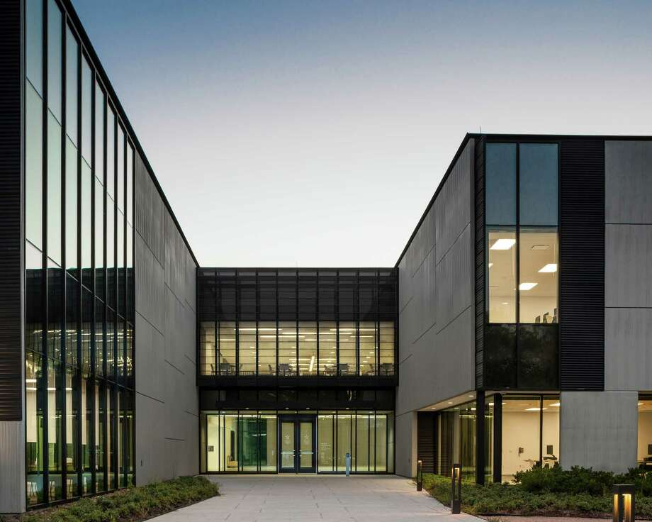 AIA Houston 2014 Design Award winner for architecture greater than 50,000 square feet: Lone Star College EMI-University Park, Morris Architects Photo: Paul Hester, Courtesy AIA Houston / © 2014 Hester + Hardaway