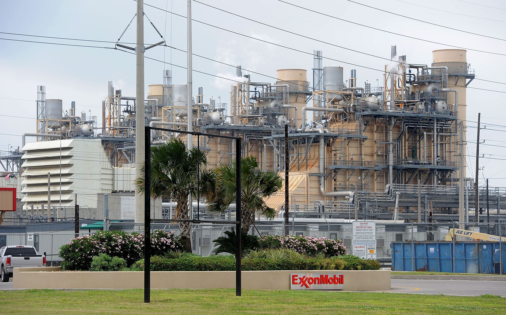 report  exxonmobil beaumont to double in size