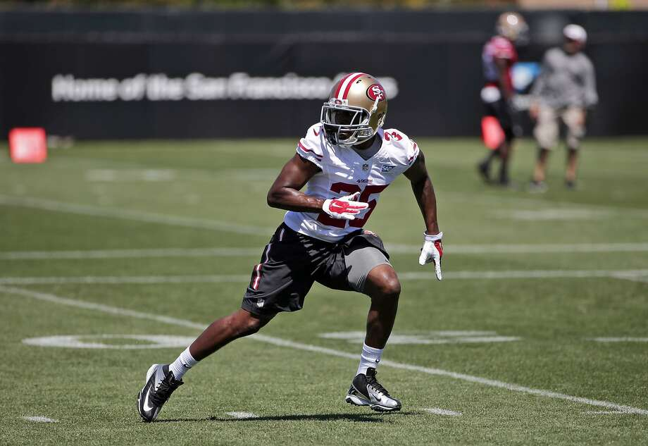 Cornerback Jimmie Ward, the 49ers' first-round pick, works on coverage during his second NFL practice, Photo: Associated Press