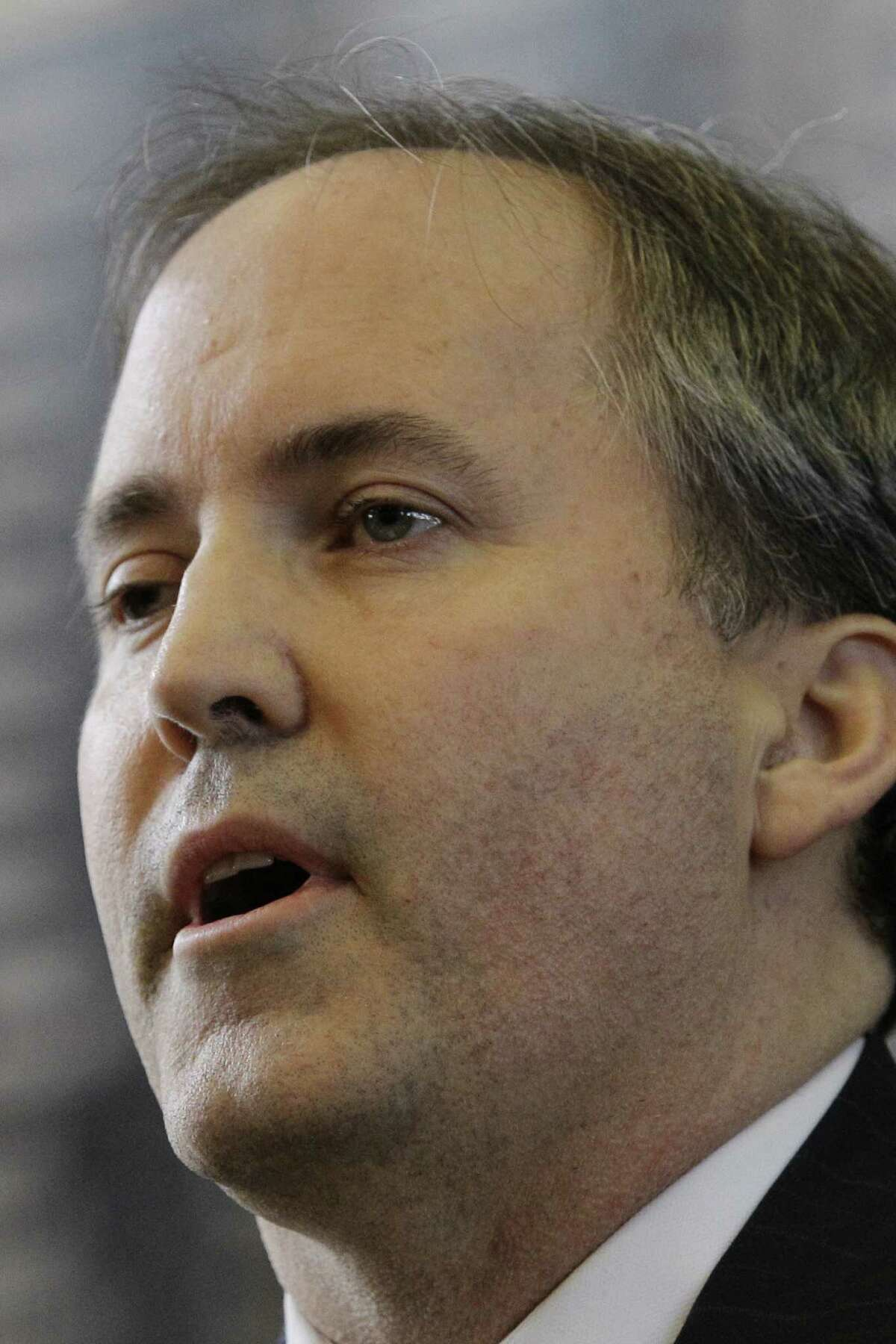 Ken Paxton was reprimanded and fined for selling securi- ties without registering with the state.