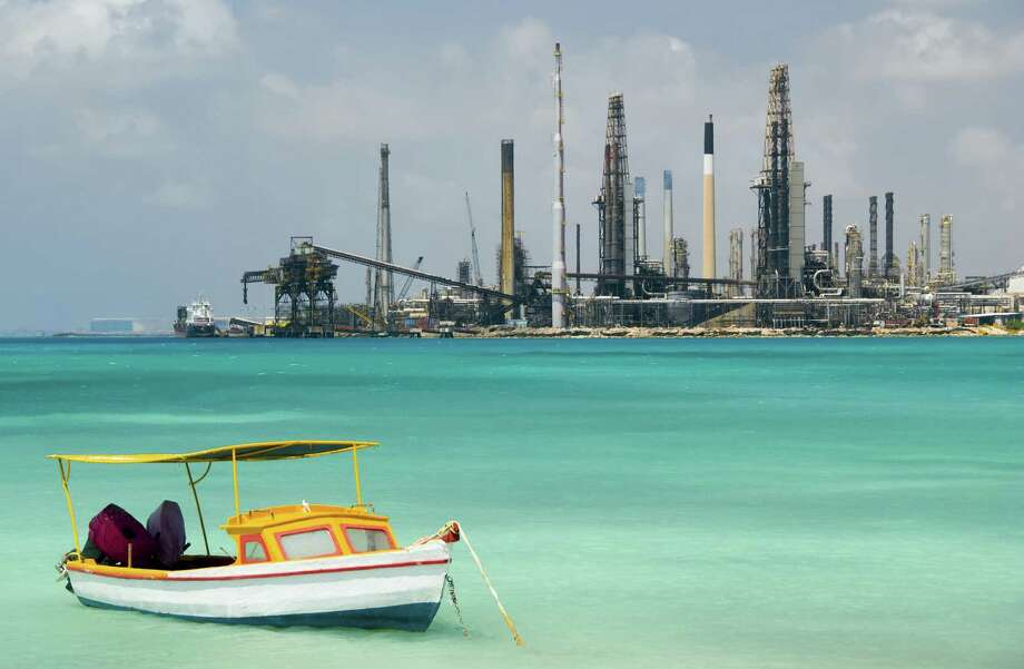 Valero Energy Corp.'s refinery in Aruba sits along the island's breathtaking beaches. Photo: Chris Prirchard / Getty Images / (c) Chris Pritchard