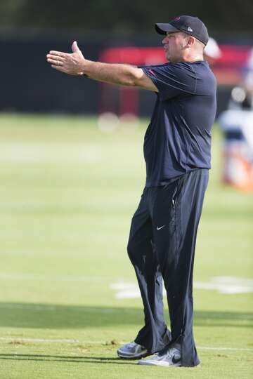 Day 1: July 26  Head coach Bill O'Brien gives instruction during Te