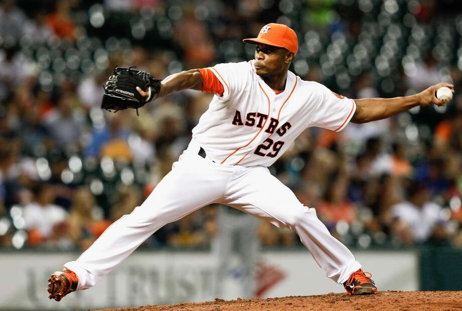 Tony Sipp throws in the eighth inning. Photo: Bob Levey, Getty Images