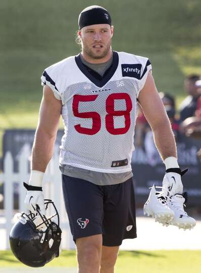 Day 2: July 27  Outside linebacker Brooks Reed (58) walks onto the