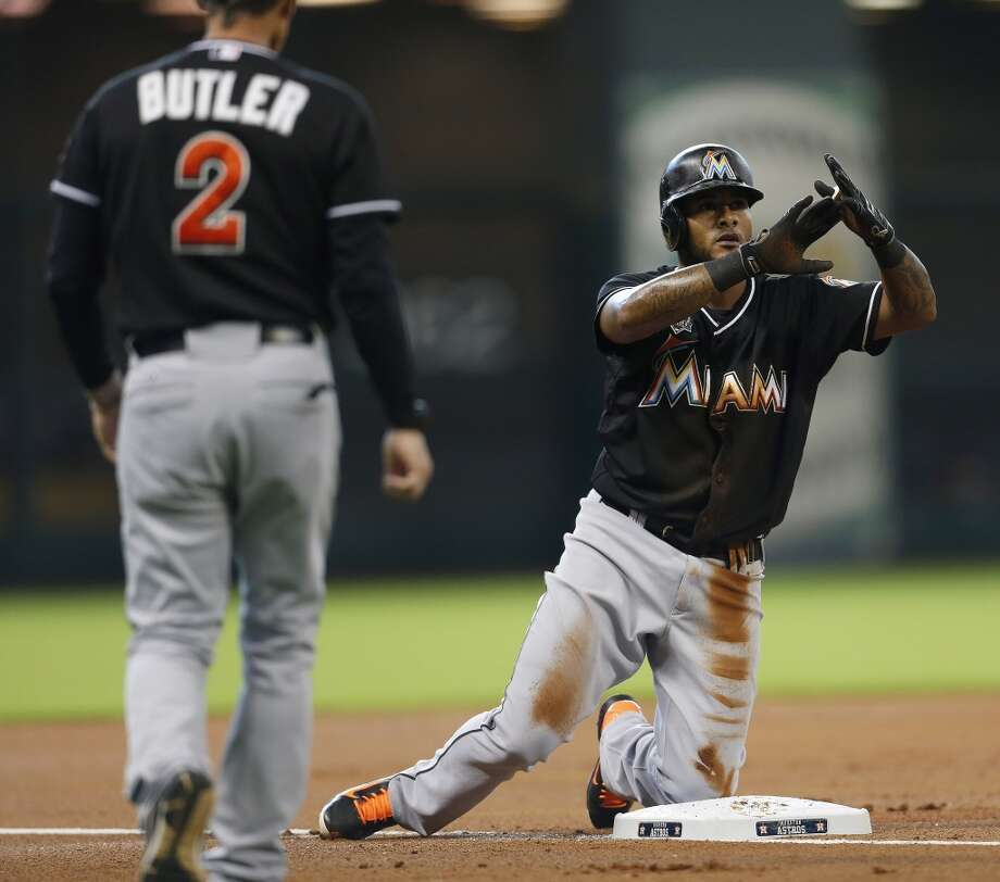 Marlins second baseman Jordany Valdespin (1) signals timeout  after his triple. Photo: Karen Warren, Houston Chronicle