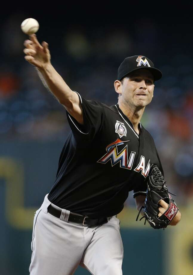 Marlins starting pitcher Jacob Turner (33) pitches in the first inning. Photo: Karen Warren, Houston Chronicle