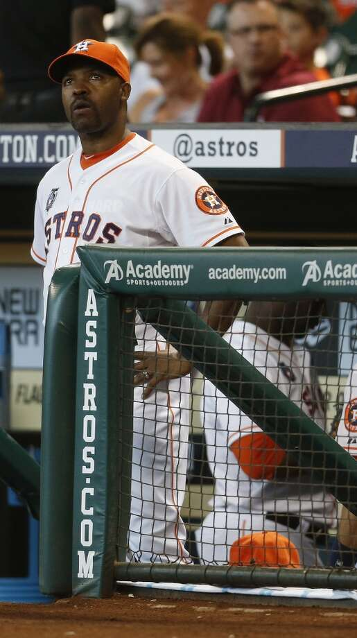 Astros manager Bo Porter (16) in the dugout. Photo: Karen Warren, Houston Chronicle