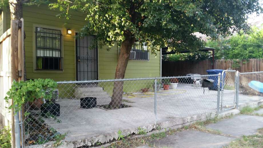A mother and daughter were found dead in their home in what police are calling an apparent murder-suicide  Sunday morning at the 1300 block of Delaware Street on the East Side. Photo: J. Almendarez/San Antonio Express-News